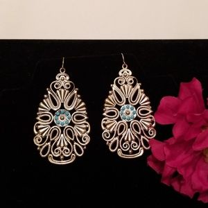 Silver color earrings with turquoise